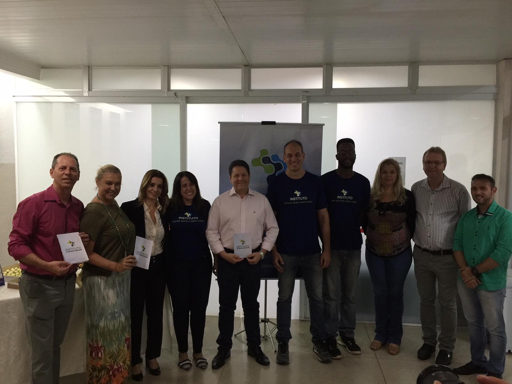 Lançamento do Instituto Dr João Silvio Caron Gomes