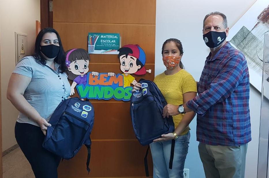 Sinecol manteve a tradição e distribuiu em janeiro material escolar gratuito